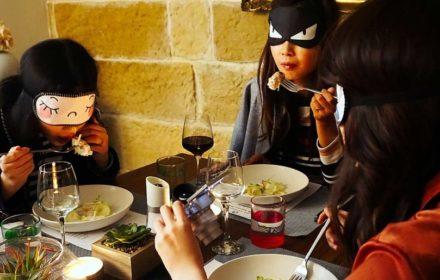 team building ideas - blindfolded dinner