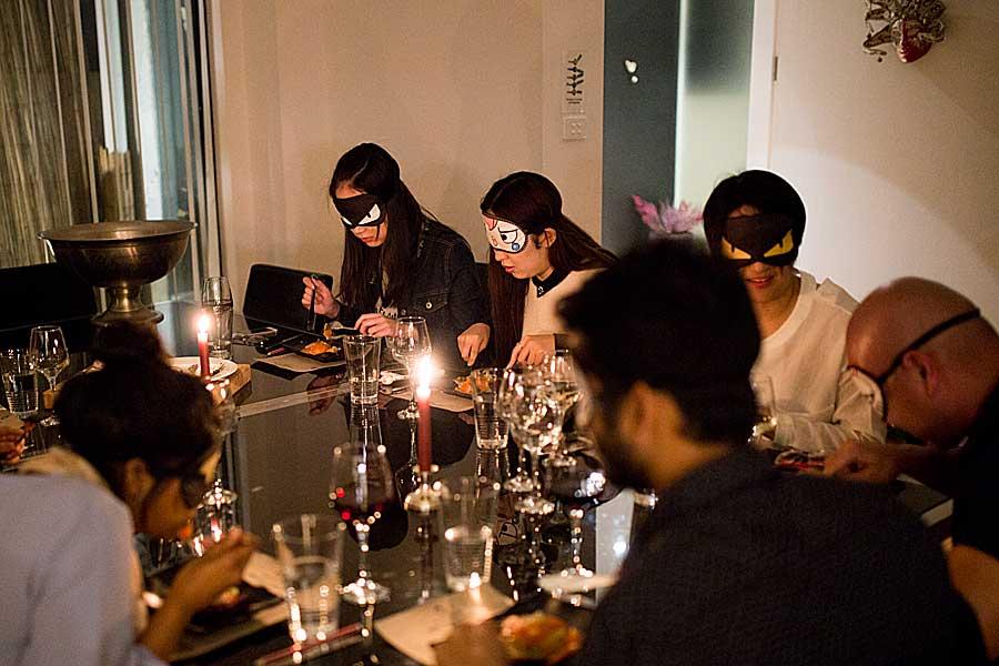 Blinfolded Dinner - dining in the dark