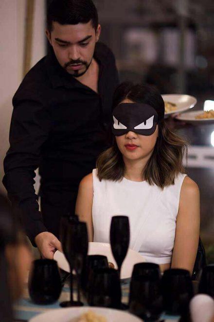 Blindfold Dinner - serving