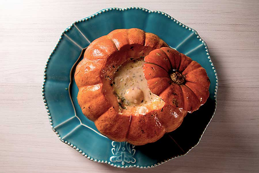 Brazilian food - Prawns in Pumpkin (Camarao na Moranga)