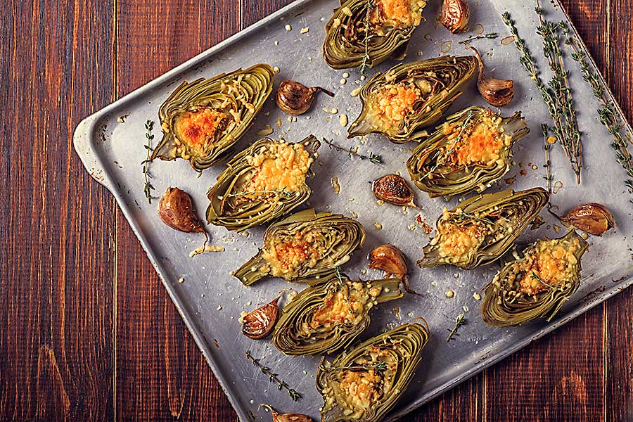Edible flowers - Artichokes baked with cheese, garlic and thyme