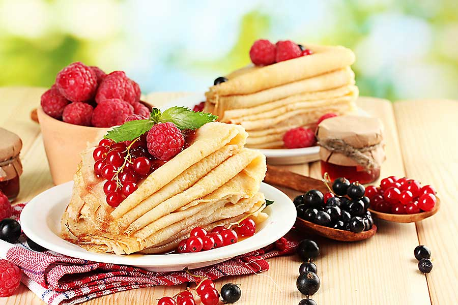 Blini with fruits