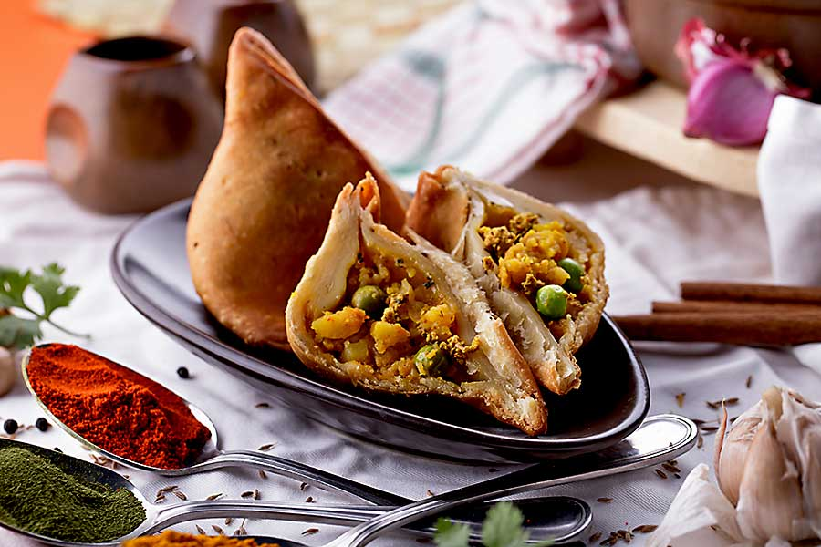 Indian cuisine - spicy pastry samosa