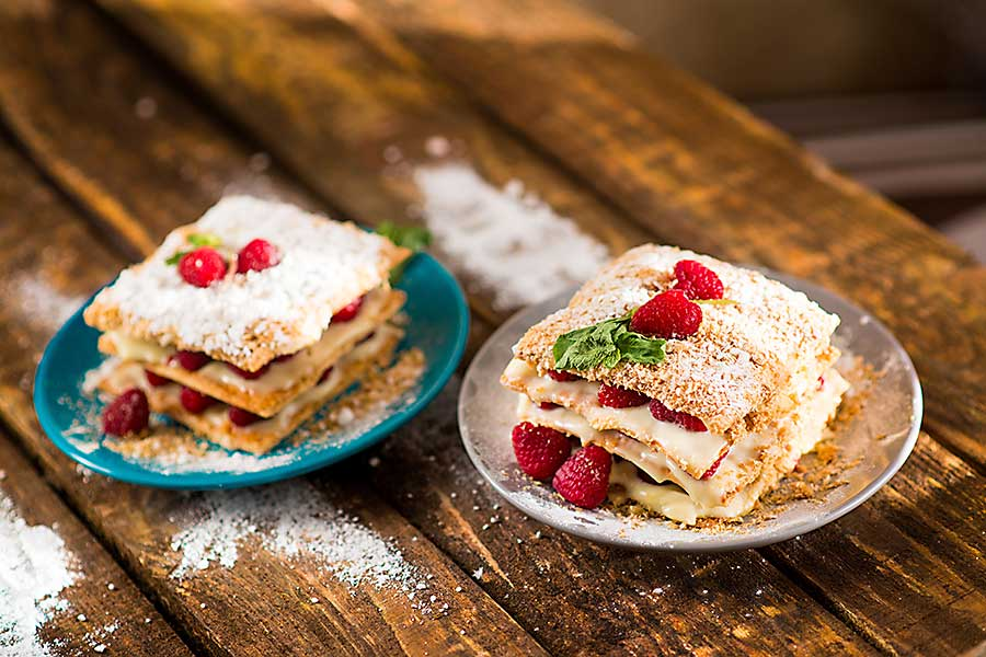mille-feuille with cream and fruits