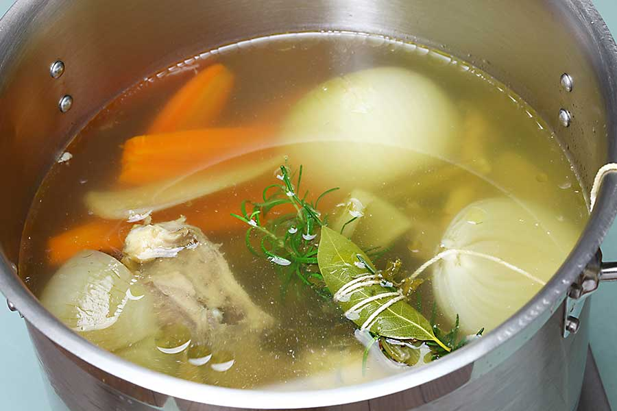 Stock cooking with bouquet garni