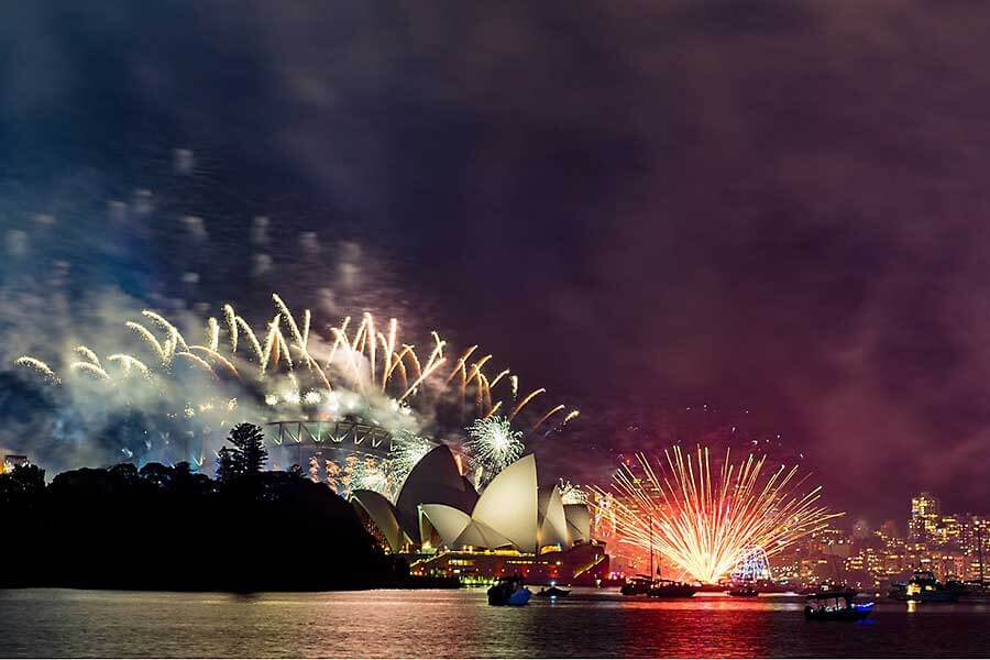 New Year's Eve fireworks in Sydney - Potts Point