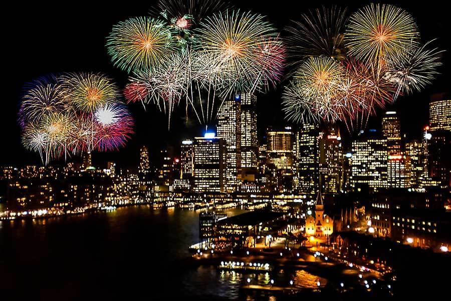 New Year's Eve fireworks in Sydney - Harbour Bridge