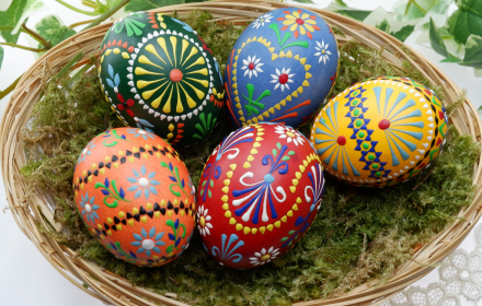 THE PAGAN ORIGINS OF EASTER – AND DIFFERENT EASTER FOODS FROM AROUND THE WORLD